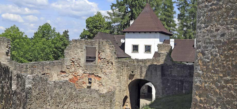 Der Burgtor der Burg Landštejn