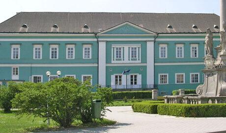 Zámek Dačice (Schloss Datschitz)